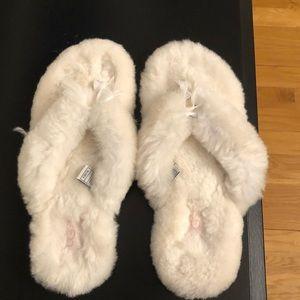 EUC Ugg women's white slippers size 8